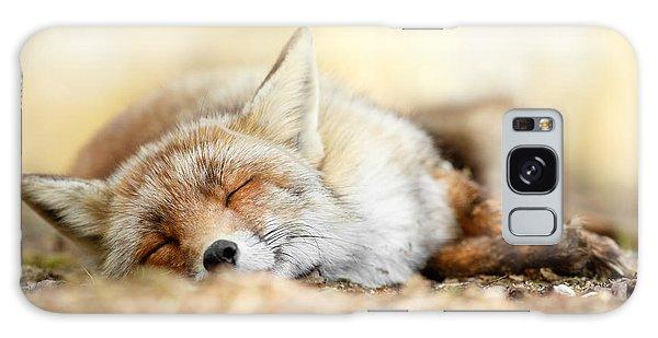 Sleeping Beauty -red Fox In Rest Galaxy Case
