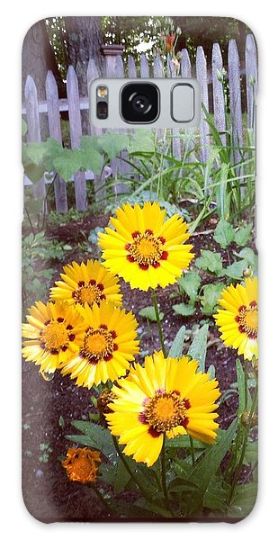 Small Yellow Daisies Galaxy Case
