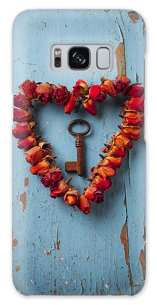 Small Rose Heart Wreath With Key Galaxy Case