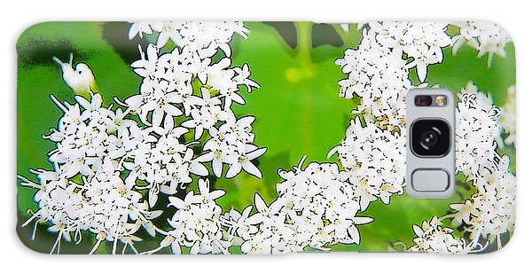 Small White Flowers Galaxy Case