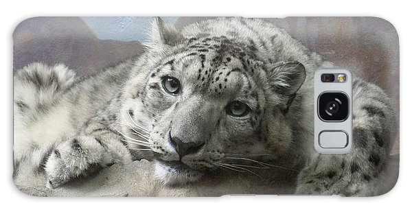 Snow Leopard Relaxing Galaxy Case