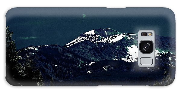 Snow On The Mountain At Night Galaxy Case