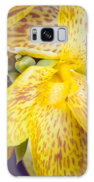 Galaxy Case featuring the photograph Speckled Canna by Christi Kraft
