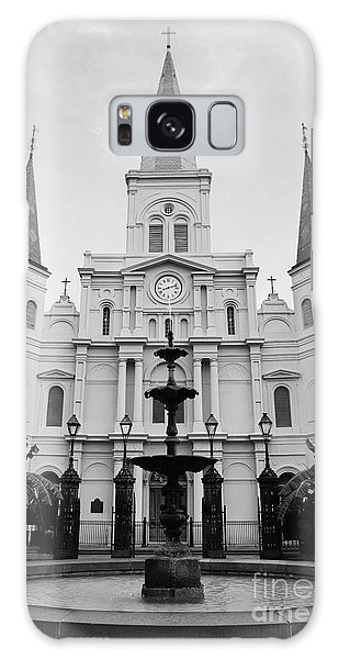 St Louis Cathedral And Fountain Jackson Square French Quarter New Orleans Black And White Galaxy Case