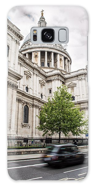 St Pauls Cathedral With Black Taxi Galaxy Case