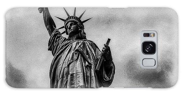 Statue Of Liberty Photograph Galaxy Case