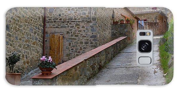 Steep Street In Montalcino Italy Galaxy Case