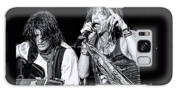 Steven Tyler Croons Galaxy Case