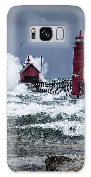 Storm On Lake Michigan By The Grand Haven Lighthouse With Flying Gulls Galaxy Case