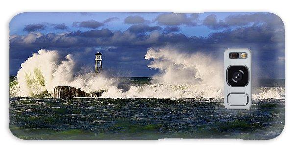 Storm Surf Batters Breakwater Galaxy Case