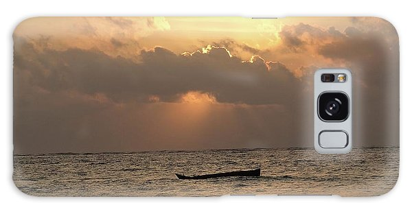 Exploramum Galaxy Case - Sun Rays On The Water With Wooden Dhows by Exploramum Exploramum