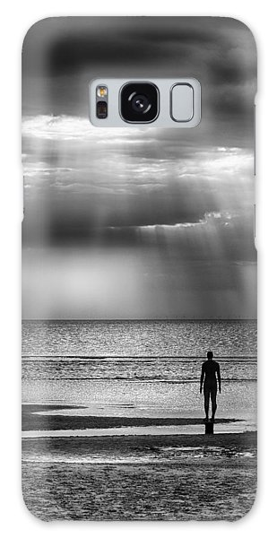 Sun Through The Clouds Bw 11x14 Galaxy Case