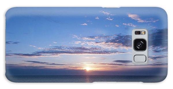 Breaking Dawn Galaxy Case - Sunrise At Sea by Ron Irwin