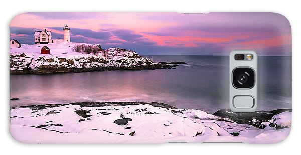 Sunset At Nubble Lighthouse In Maine In Winter Snow Galaxy Case
