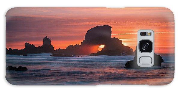Sunset Behind Arch At Oregon Coast Usa Galaxy Case