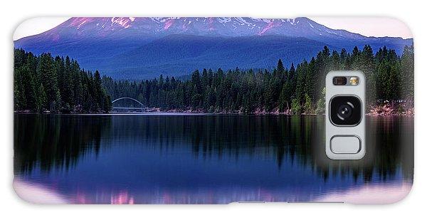 Sunset Reflection On Lake Siskiyou Of Mount Shasta Galaxy Case