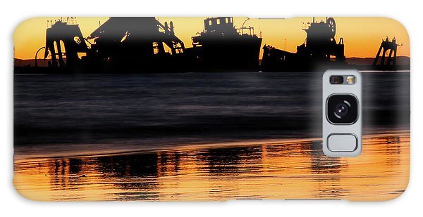 Tangalooma Wrecks Sunset Silhouette Galaxy Case