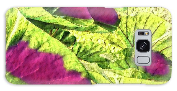 Taro Leaves In Green And Red Galaxy Case