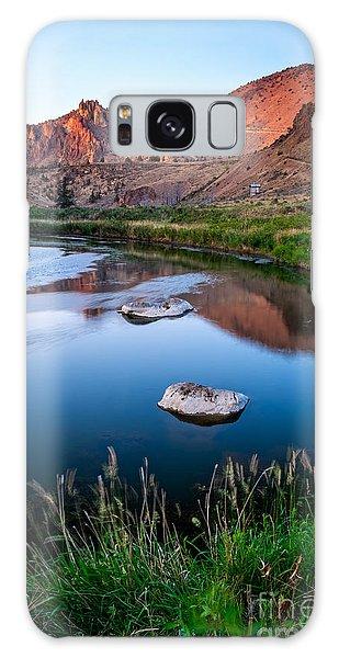 The Crooked River Runs Through Smith Rock State Park  Galaxy Case