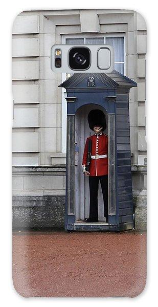The Guard At Buckingham Palace Galaxy Case