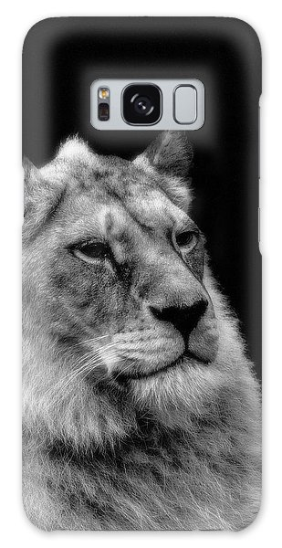 The Lioness Sitting Proud Galaxy Case