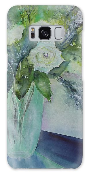 Flowers - White Roses Galaxy Case