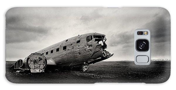 Airplanes Galaxy Case - The Solheimsandur Plane Wreck by Tor-Ivar Naess