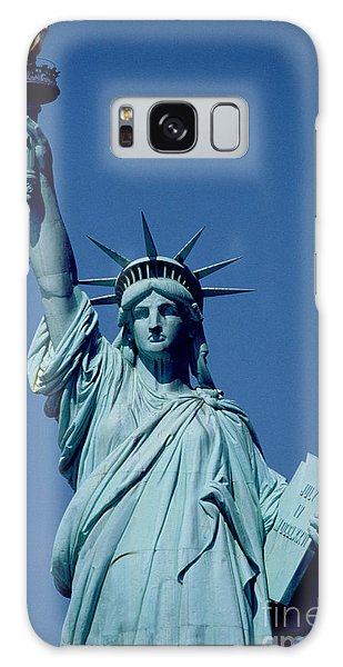 New York City Galaxy S8 Case - The Statue Of Liberty by American School