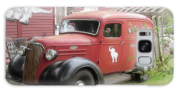 Old Truck Galaxy Case - The White Elephant by Paul Meinerth