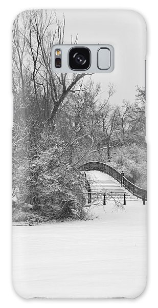 The Winter White Wedding Bridge Galaxy Case