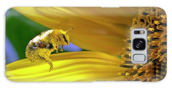 This Bee Needs A Bath Galaxy Case