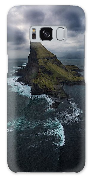Sea Stacks Galaxy Case - Tindholmur Aerial by Tor-Ivar Naess