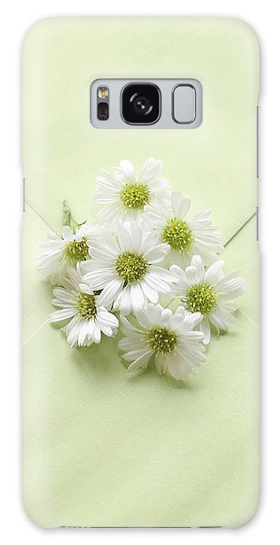 Tiny Daisies On Green Envelope Galaxy Case