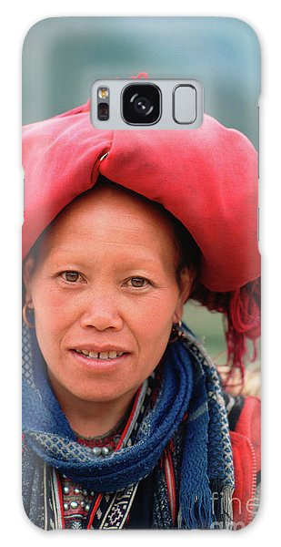 Traditional Fashion Of A Red Dzao Woman Galaxy Case