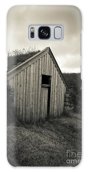 Galaxy Case featuring the photograph Traditional Turf Or Sod Barns Iceland by Edward Fielding