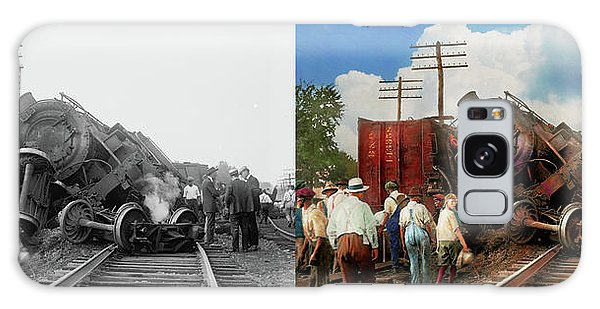 Train - Accident - Butting Heads 1922 - Side By Side Galaxy Case by Mike Savad