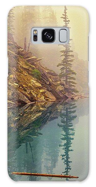 Moraine Lake Galaxy Case - Tree In The Fog by Joan Carroll