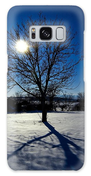 Tree Into Sun On A Winter Snowy Afternoon Galaxy Case