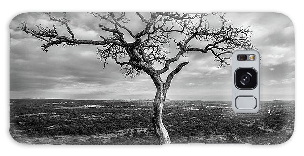 Tree On Enchanted Rock In Black And White Galaxy Case