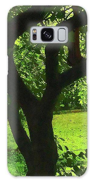 Tree Trunk Green Galaxy Case