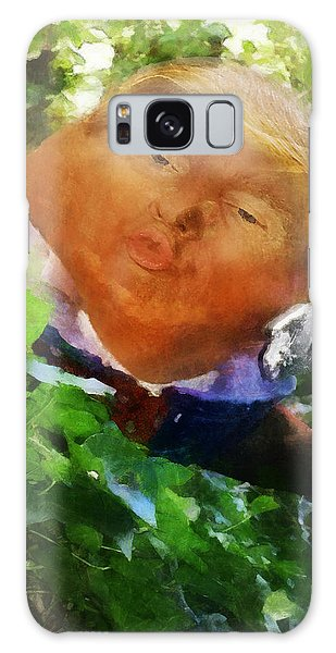Trumpty Dumpty San On A Wall Galaxy Case
