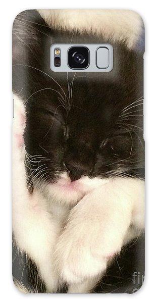 Tuxedo Kitten Snoozing Galaxy Case