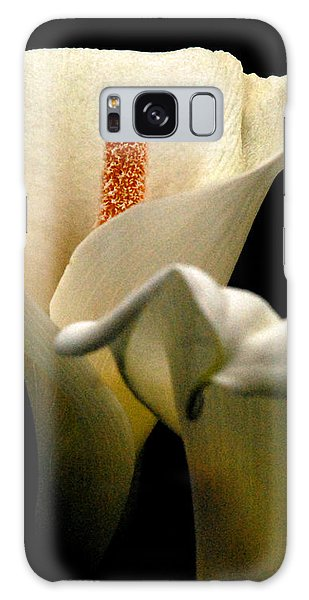 Two Lilies Tall Galaxy Case