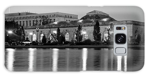 U.s. Botanic Garden At Night In Black And White Galaxy Case
