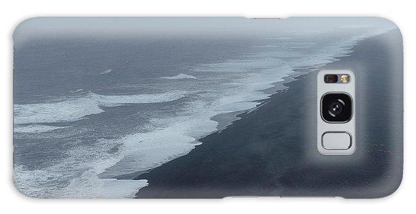 Vanishing Point - Dyrholaey, Iceland Galaxy Case