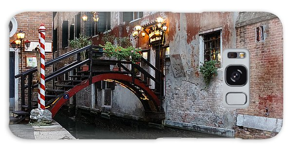 Venice Italy - The Cheerful Christmassy Restaurant Entrance Bridge Galaxy Case