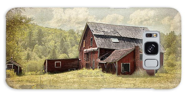 Vermont Red Barn  Galaxy Case