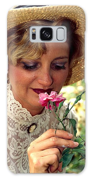Victorian Rose Galaxy Case
