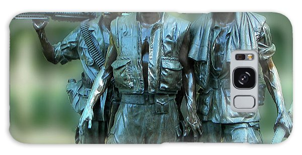 Vietnam Memorial Soldiers Galaxy Case