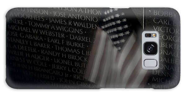 Vietnam Memrial Wall With Us Flag Galaxy Case